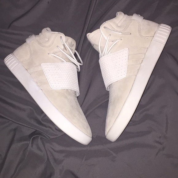 sneakers for cheap 099e6 3581b BRAND NEW Adidas Tubular Invader Strap Sneakers